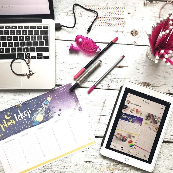Widziałyście już plan lekcji od @mypinkplum ? My już mamy wydrukowany w dwóch egzemplarzach (dla mnie i starszego syna) i czekamy na wrzesień żeby go zapełnić. Uczciwie trzeba przyznać że ja pracując obecnie w domu z dziećmi czekam z trochę większym utęsknieniem niż synowie  Miłego dnia  #psc #paniswojegoczasu #mypinkplum #planlekcji #organizacja #planowanie #czas #dziendobry #dzieńdobry #goodmorning #goodmorninginsta #goodmorningworld #goodvibesonly #goodvibes