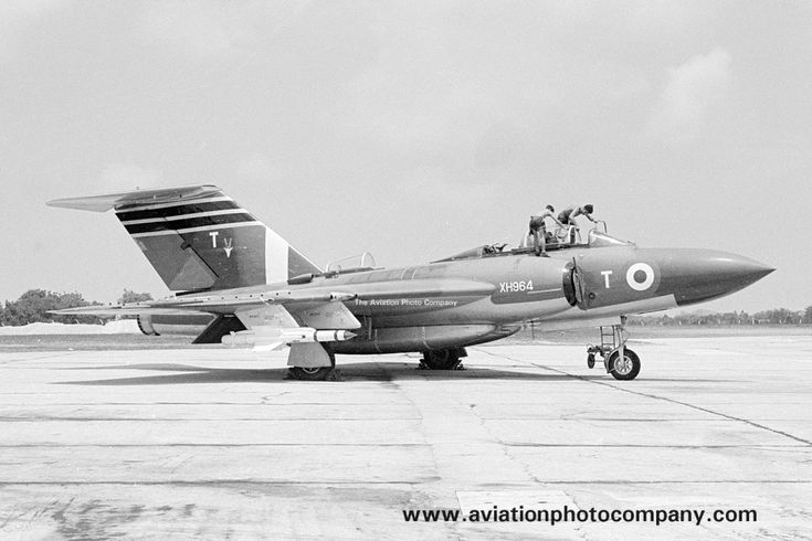 RAF 60 Squadron Gloster Javelin FAW.9 XH964/T (1965)