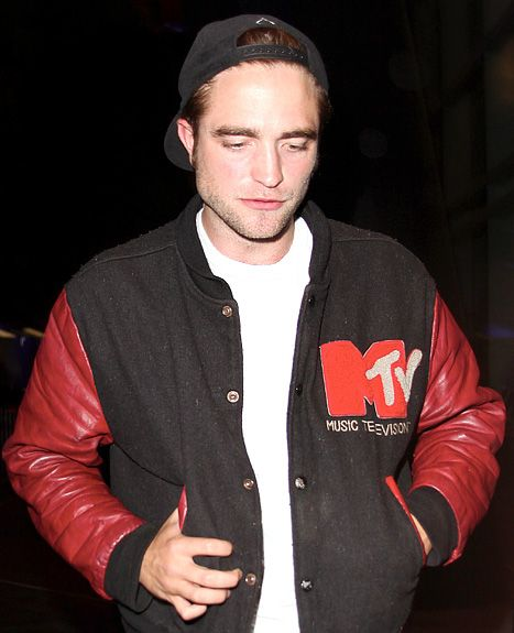 Robert Pattinson Attends Beyonce Concert, Kristen Stewart Looks Gorgeous in Paris  Read more: http://www.usmagazine.com/celebrity-news/news/robert-pattinson-attends-beyonce-concert-kristen-stewart-looks-gorgeous-in-paris-201327#ixzz2Xu1dVpIr  Follow us: @Us Weekly on Twitter | usweekly on Facebook