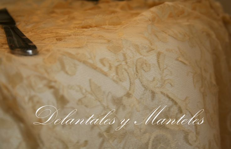 alquiler de manteles, mantel de encaje, mantel de fiesta, mantel para boda, tablecloth, tablecloth wedding, mesa para boda, mantel original, mantel hecho a mano, madrid