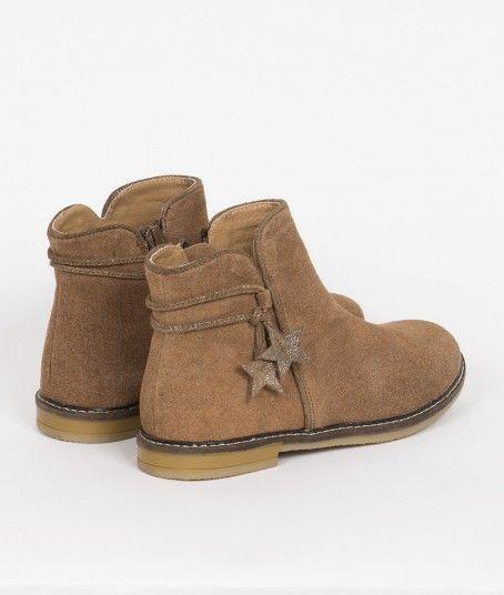 1b11a54aed6 BOTA CORTA CON ESTRELLAS | Tienda Mimo | NIÑAS en 2019 | Botas de niña,  Calzado niños y Zapatos para niñas
