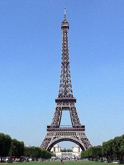 Франция. Париж. Эйфелева башня