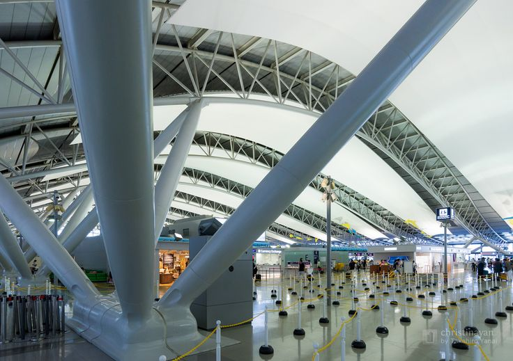 Kansai International Airport Passenger Terminal Building (関西国際空港旅客ターミナル). / Architect : Renzo Piano (設計:レンゾ・ピアノ).