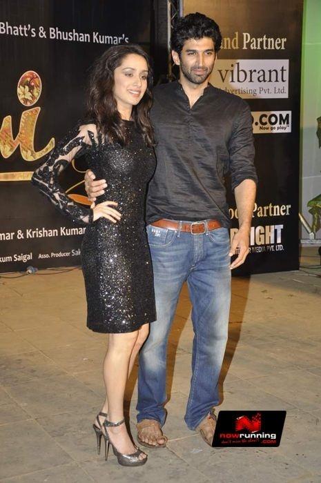 Aditya Roy Kapur and Shraddha Kapoor at Live concert of 'Aashiqui 2'