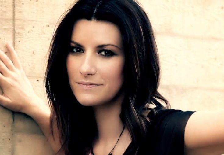 Laura Pausini no cree que la felicidad completa venga dado por el dinero y lo ha demostrado una vez más.