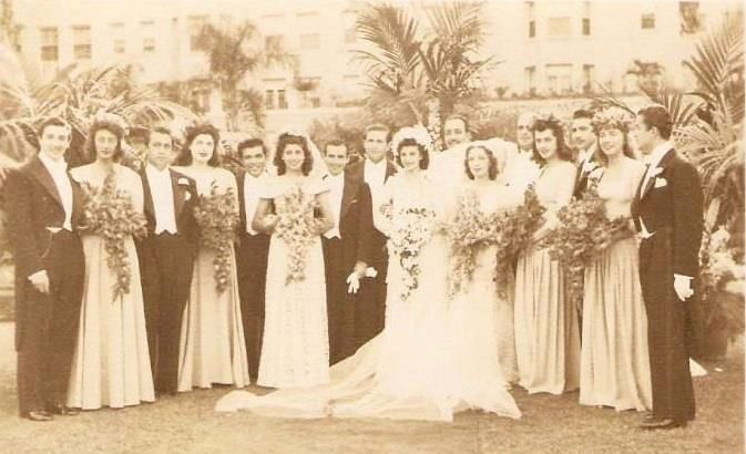 İzmir 1930'lar.Gavur İzmir yine yapmışsın Gavurluğunu