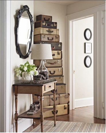 Suitcase anyone?: Holidays Ornaments, Storage Spaces, Vintage Suitcases, Hallways, Old Suitcases, Trunks, Vintage Luggage, Antique, Storage Ideas