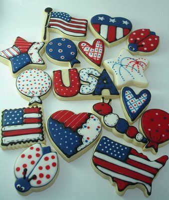 Americana cookies! Perfect for 4th of July! I know someone who can make these for $24 a dozen.