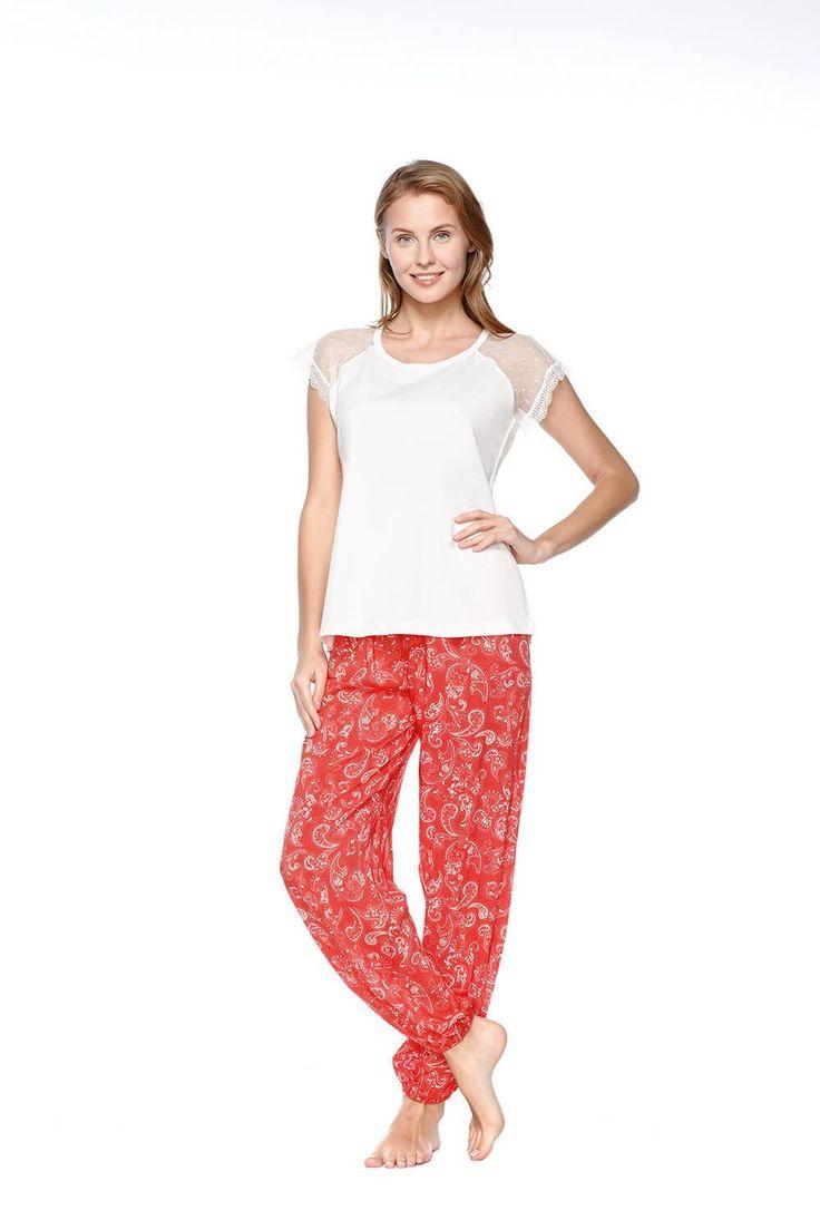 Kom Lavinia Bayan Pijama Takım 61PJ75011 #annelergünü #anneler #günü #hediyeleri #annelergünühediyesi #anne #bahar #alışveriş #beyaz #mercan #evgiyim #pijama #hediye