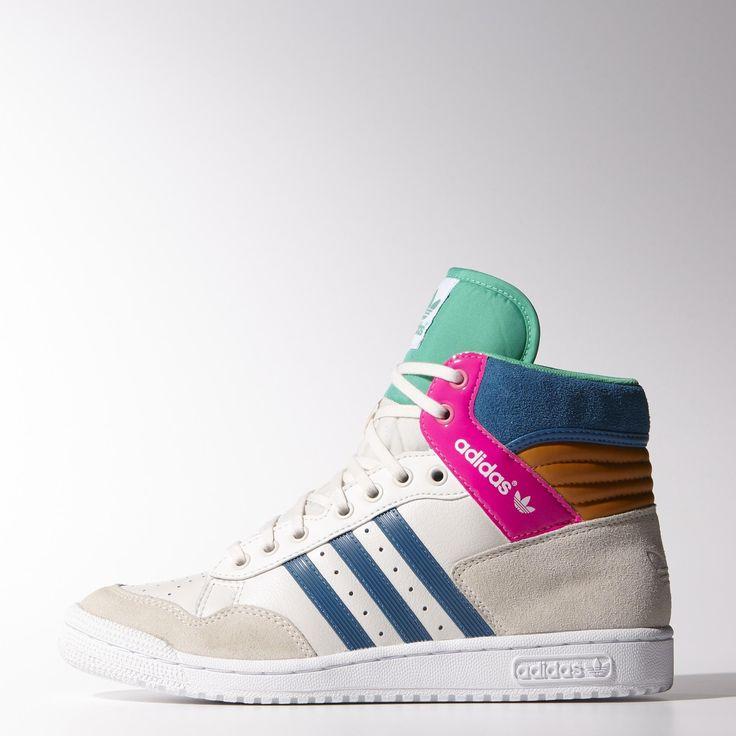 De Pro Conference Hi Adidas sneakers komen mijn kant op