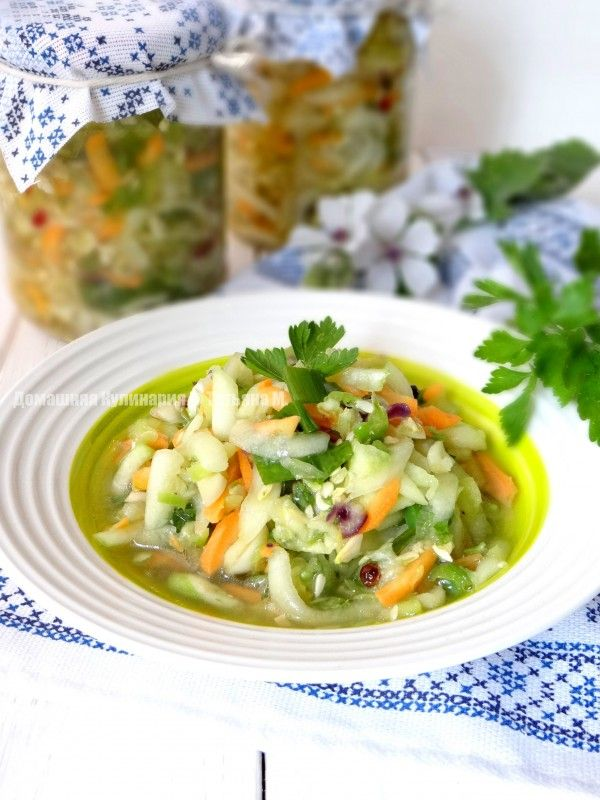 Консервированный салат с кабачком