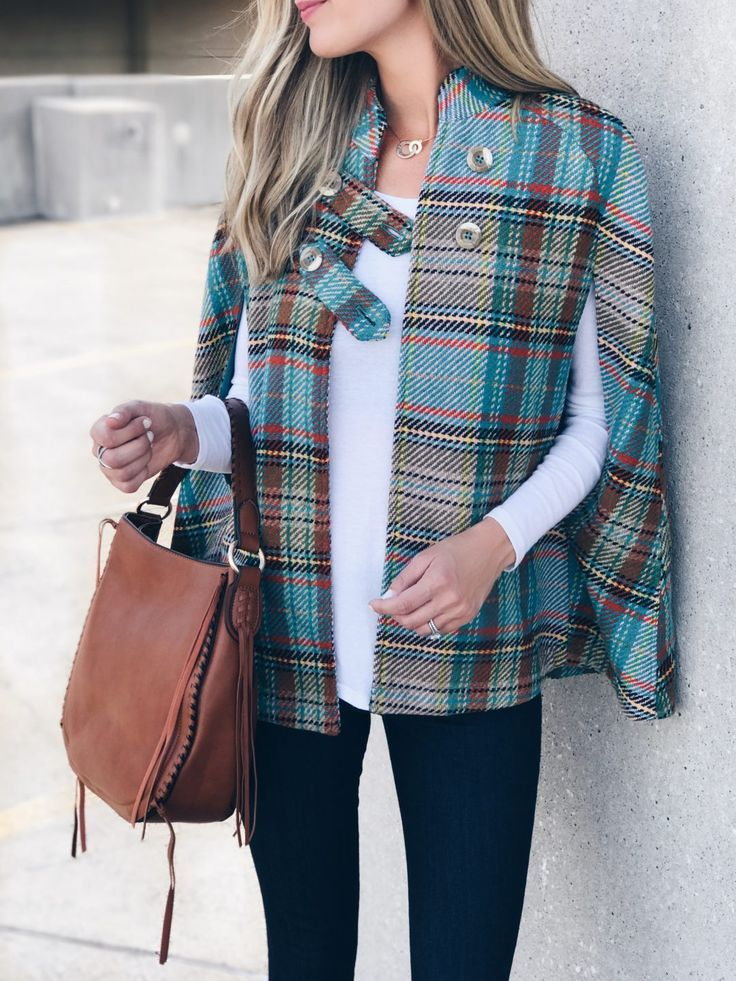 Fall outerwear trends 2017 - open plaid cape from ModCloth on Pinterestingplans holding cognac shoulder bag.JPG