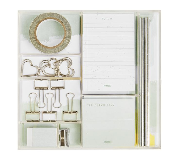 DIY, planner and paper craft lovers, this gorgeous stationery kit is perfect for you.  Featuring glitter tape, bulldog clips, notepads and more, enjoy having everything you need to get creative and customise your paper projects. Presented in an acrylic case, this makes a great gift too!