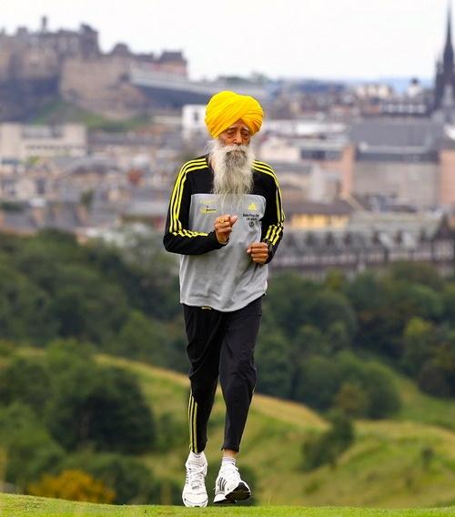Fauja Singh, 100 years old (World's oldest marathon runner)