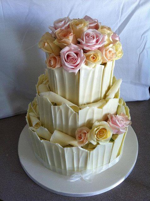 Gâteau de mariage au chocolat blanc /  White chocolate wedding cake