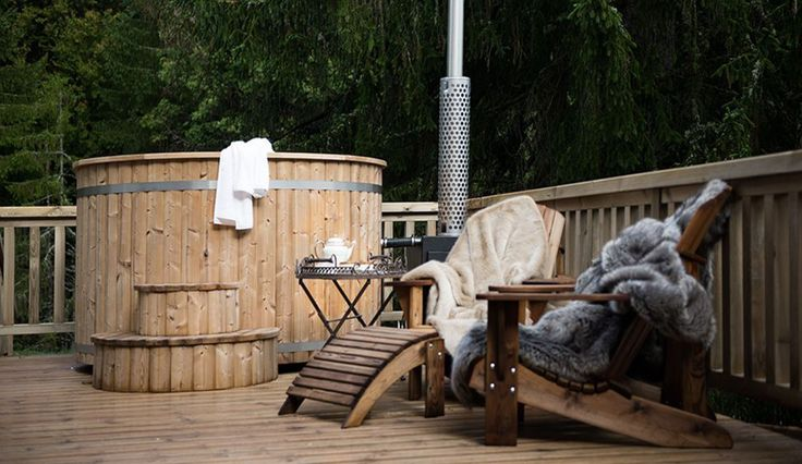...This wonderful wood burning hot tub is great in the day or at night under the stars...heaven