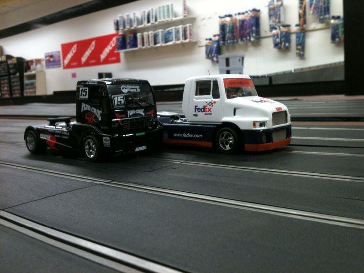 Slot trucks 1 32