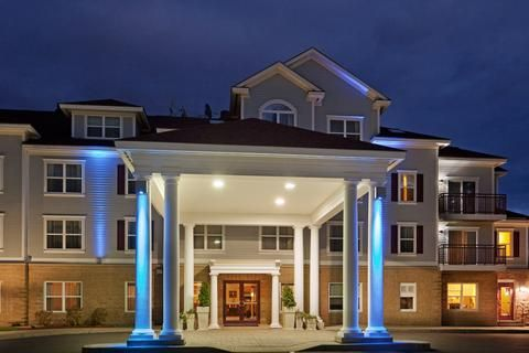 Holiday Inn Express Hotel & Suites WHITE RIVER JUNCTION, VT #VT #cozy