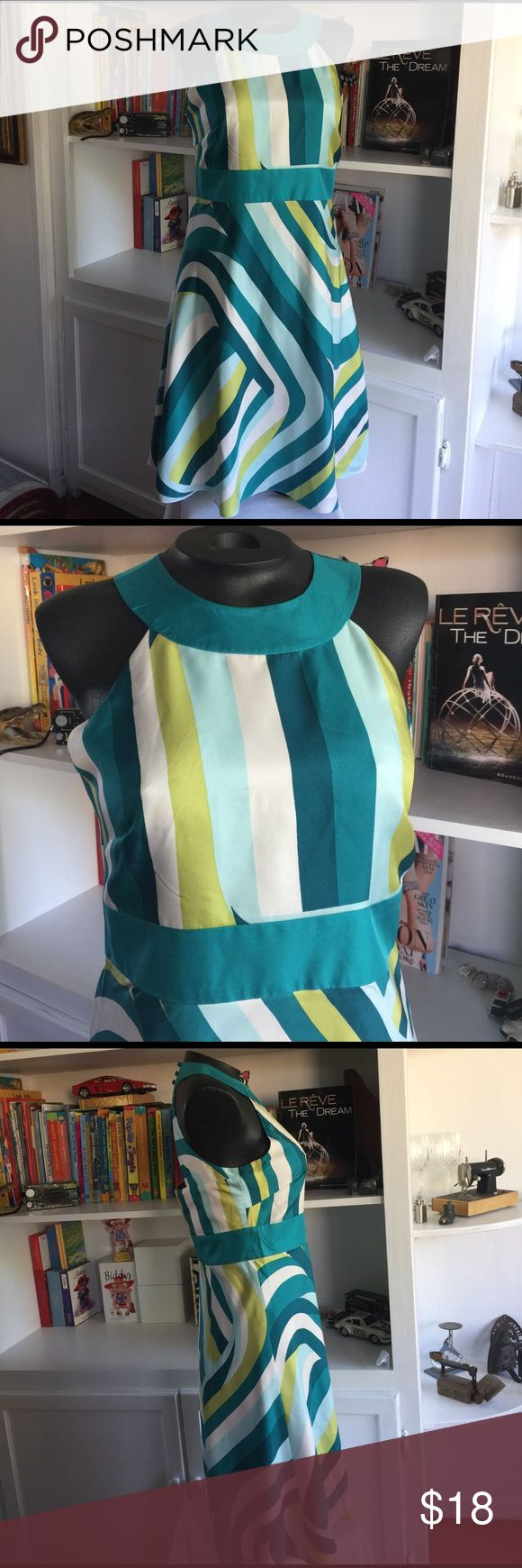 ANN TAYLOR SILK DRESS Very good used condition, in 100% silk by ANN TAYLOR ,,, open back ,, it runs lit bit big,,, Ann Taylor Dresses Midi