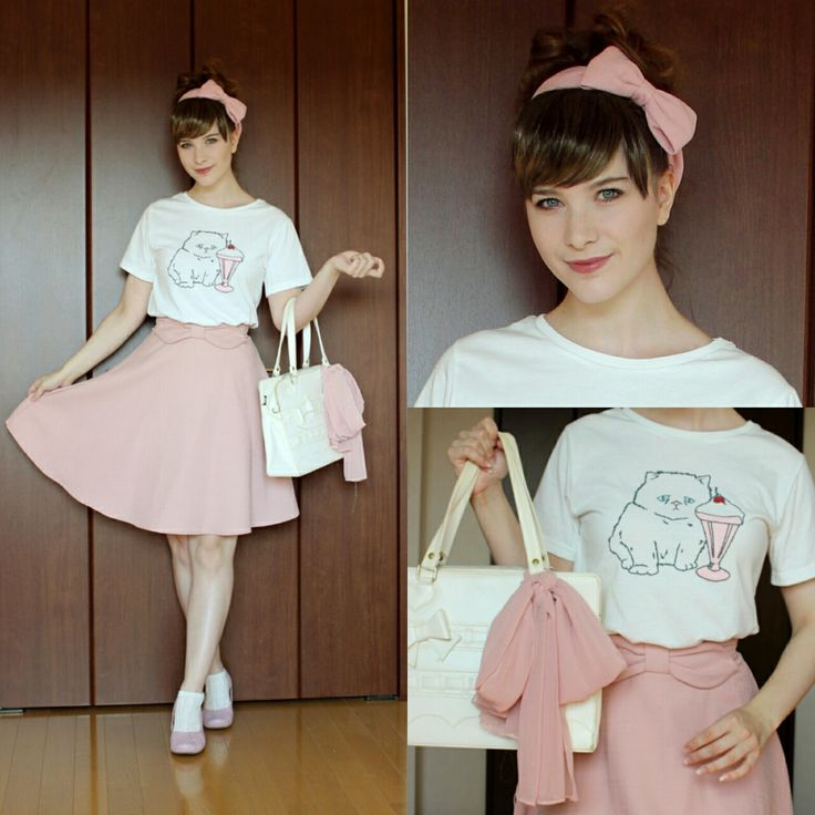 It is still summer here! T-shirt: Wego Skirt: Ingni Shoes: Hotter Bag: Baby, the Stars Shine Bright