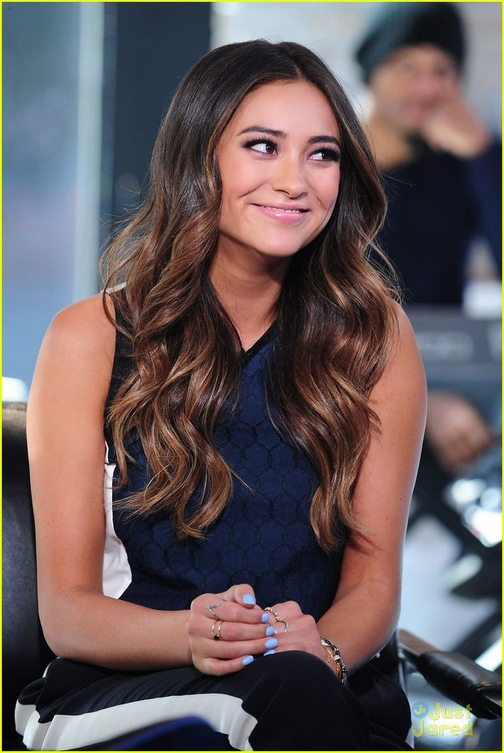 Shay Mitchell Hair Follow akanshac9 for more ♢