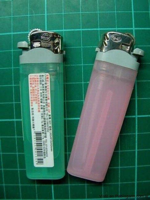 Motos miniatura hechas con partes de encendedores