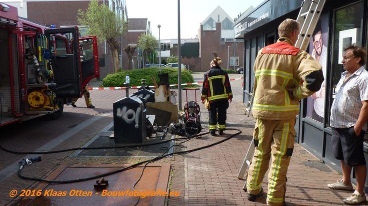 Binnenbrand bij Hairclub Den Helder aan de Beatrixstraat , woensdag 11 mei 2016  Oorzaak: kortsluiting in een stofzuiger, zie een van de foto's!