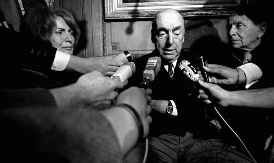"""El Gobierno chileno considera """"altamente probable"""" la actuación de terceros en la muerte del premio nobel de literatura Pablo Neruda en los primeros días de la dictadura de Augusto Pinochet en 1973, de acuerdo con un documento oficial."""