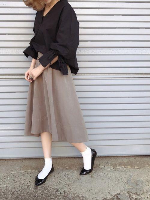 Ray BEAMSのシャツ・ブラウス「Ray BEAMS / リボン カフス スキッパーシャツ」を使ったukapiのコーディネートです。WEARはモデル・俳優・ショップスタッフなどの着こなしをチェックできるファッションコーディネートサイトです。