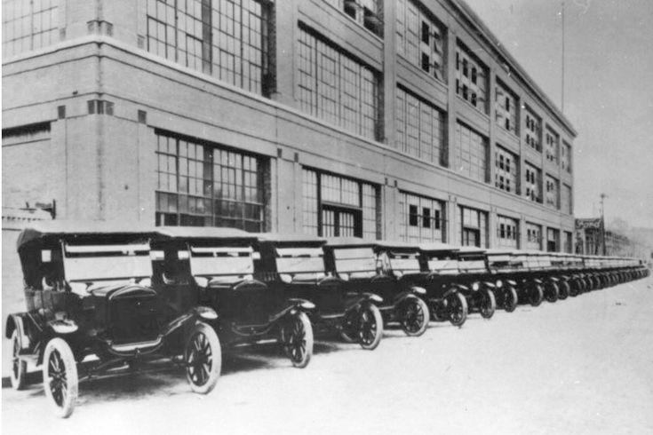Pioneira fábrica da Ford, Rua Sólon, em  São Paulo