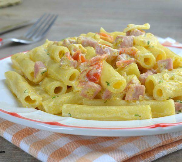 Gli ziti cremosi alla mortadella sono un primo piatto molto appetitoso ed invitante; perfetto da gustare in tutte le stagioni.