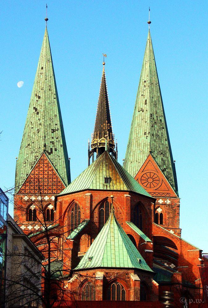 St. Marien zu Lübeck im Morgenlicht