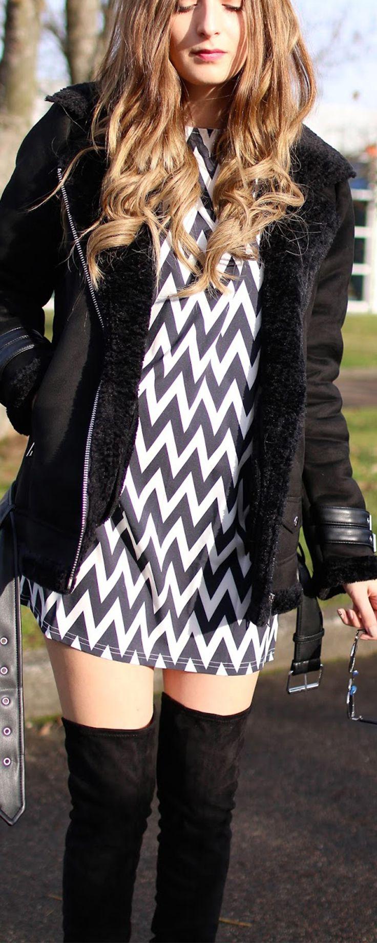 Black White Long Sleeve Geometric Print Dress
