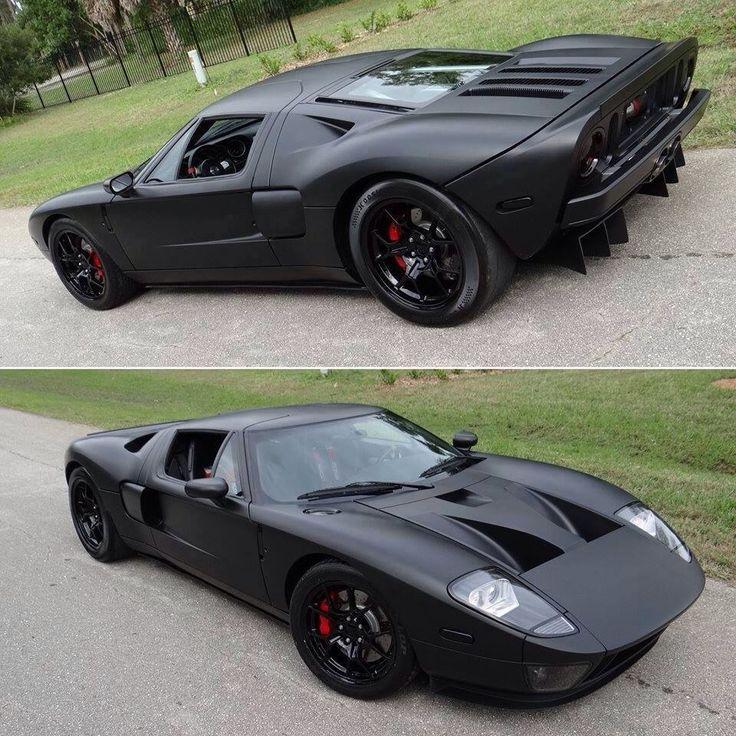 Ford GT. the back looks like a batman car, Un gran coche un clasico, Pero hay que darse cuenta que la gente de pone a idear ideas de ponerle reproductores de amortiguadores de 4,83 cilindros! ect.