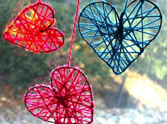 Yarn hearts made with rustic floral wire