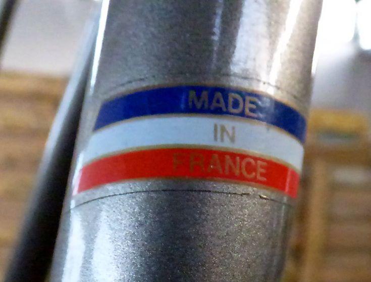 Restauration et réparation d'un ancien vélo Motobécane par Vélo Service ACREPT : 27 rue de Stalingrad 76200 Dieppe 02 35 04 92 40 #vintage #dieppe #velo #motobécane #bike
