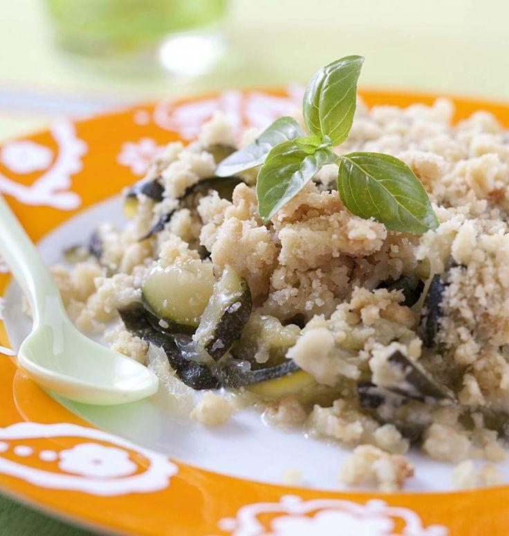 Crumble aux courgettes, parmesan et basilic - les meilleures recettes de cuisine d'Ôdélices