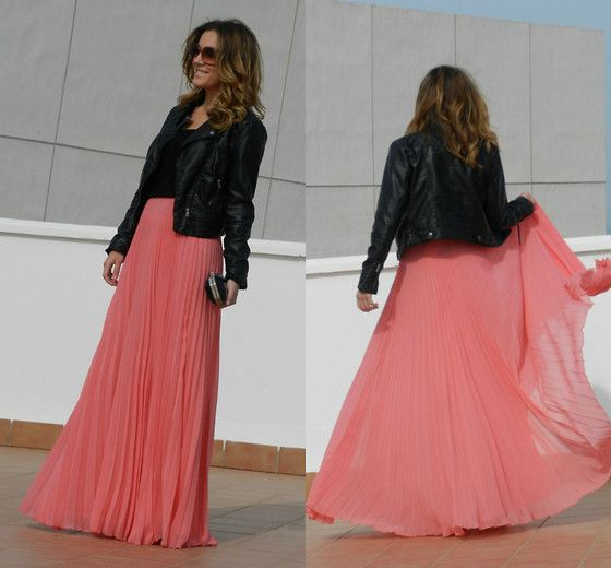 I love the color of this skirt, and the combo of the pink maxi skirt/leather jacket.