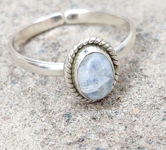 Sterling silver and moonstone toe ring