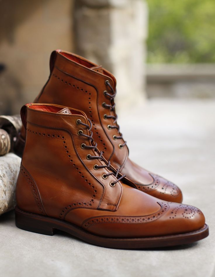 Discover our #RediscoverAmerica sale styles, including the men's Dalton wingtip boot for $329 through 10/13.