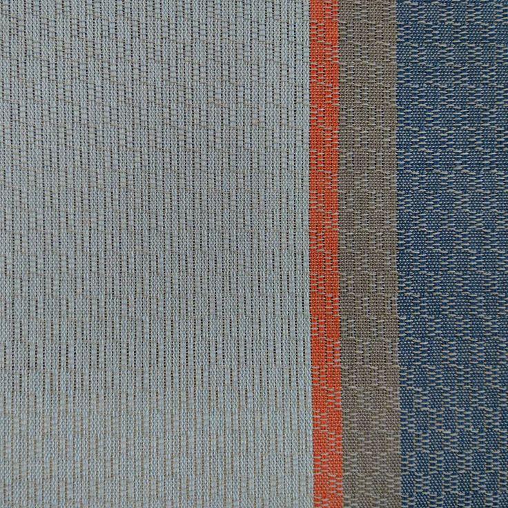 Onkohan nämä nyt ne värit, jota hain? Ei ihan.  Are these the colours I wanted? Not quite but close enough.   #kudonta #kutominen #käsinkudottu #pyyhe #leppäliina #värit #weaversofinstagram #weaving #handwoven #towel #colours