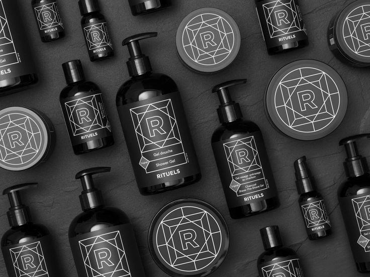 Les produits pour hommes Rituels sont créés en collaboration avec nos meilleurs partenaires.  Nos savons, gels et crèmes sont naturels, faits à la main et faits au Québec!