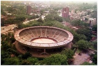 Plaza de Toros   Ubicada en la calle 5ª con carrera 54. Fue inaugurada el 28 de Diciembre de 1957, con capacidad para 18.000 espectadores, con un área aproximada de 32.000 metros cuadrados. La plaza está dotada de todos los servicios que exigen la tauromaquia, la seguridad de los lidiaderos y la comodidad del público.