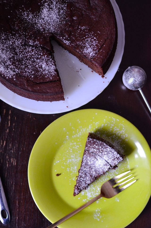 Recipe for Nigella Lawson's Flourless Chocolate Orange Cake made with whole oranges, almonds, and cocoa.