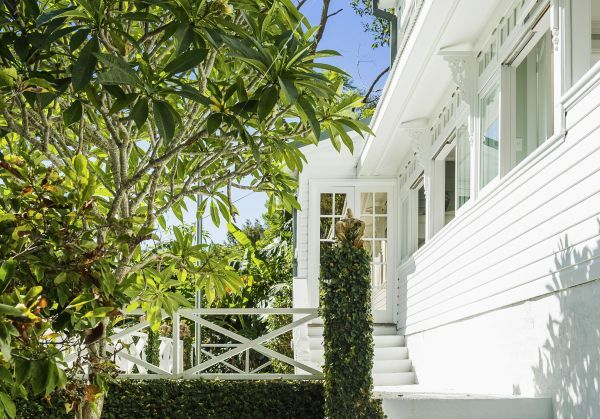 842 Barrenjoey Road Palm Beach Nsw 2108 House For Sale Domain With Images Palm Beach Nsw Palm Beach Beach Road