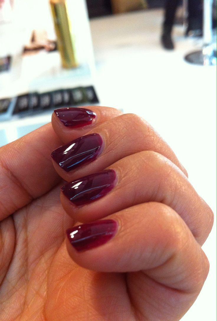 Essie nails #RoperoPaula