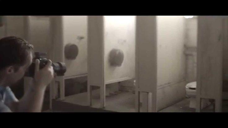 Disparando con Pentax 645Z. El fotógrafo de moda Alex Muñoz, con base en L.A., comenta que se siente al disparar con Pentax 645Z , la cámara de formato medio de RICOH que ha cambiado las reglas del juego. Con Alex Munoz Commercial Photography Vídeo en inglés.