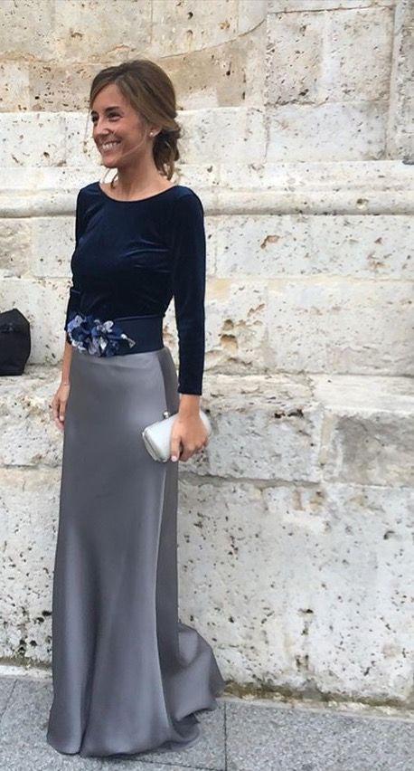 Para las bodas de tarde, un cinturón de flores es una buena alternativa para completar un look de...