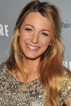 Blake's loosely pulled back hair looks gorgeous!