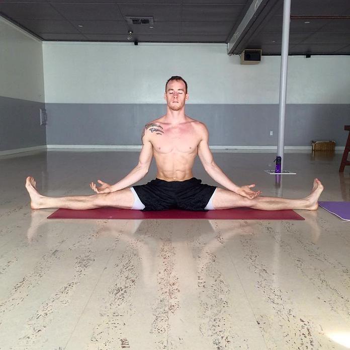 boys do in the splits nude